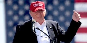 thumbs-up-trump